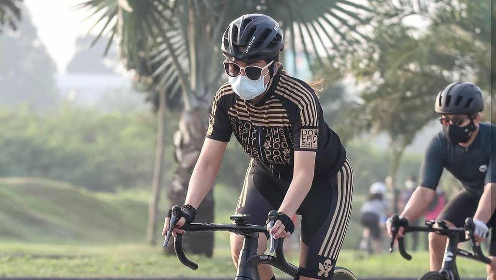 Apa Kabar Virnie Ismail Usai Kecelakaan Sepeda?