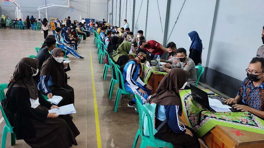 Joss! 2.000 Siswa SMK-SMA di Ciamis Disuntik Vaksin COVID-19