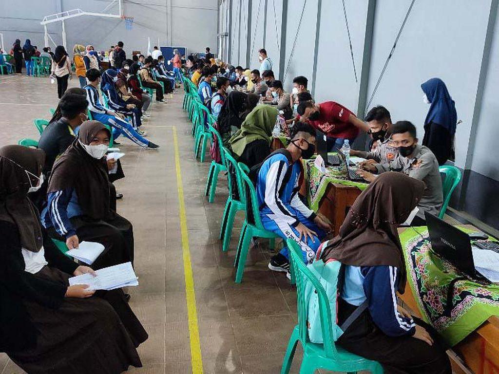 Pelajar di Jakarta Sudah 93% Divaksin, Pemerintah Tetap Geber Vaksinasi