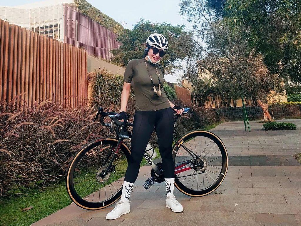 Virnie Ismail Babak Belur Usai Kecelakaan Sepeda, Anak Menangis