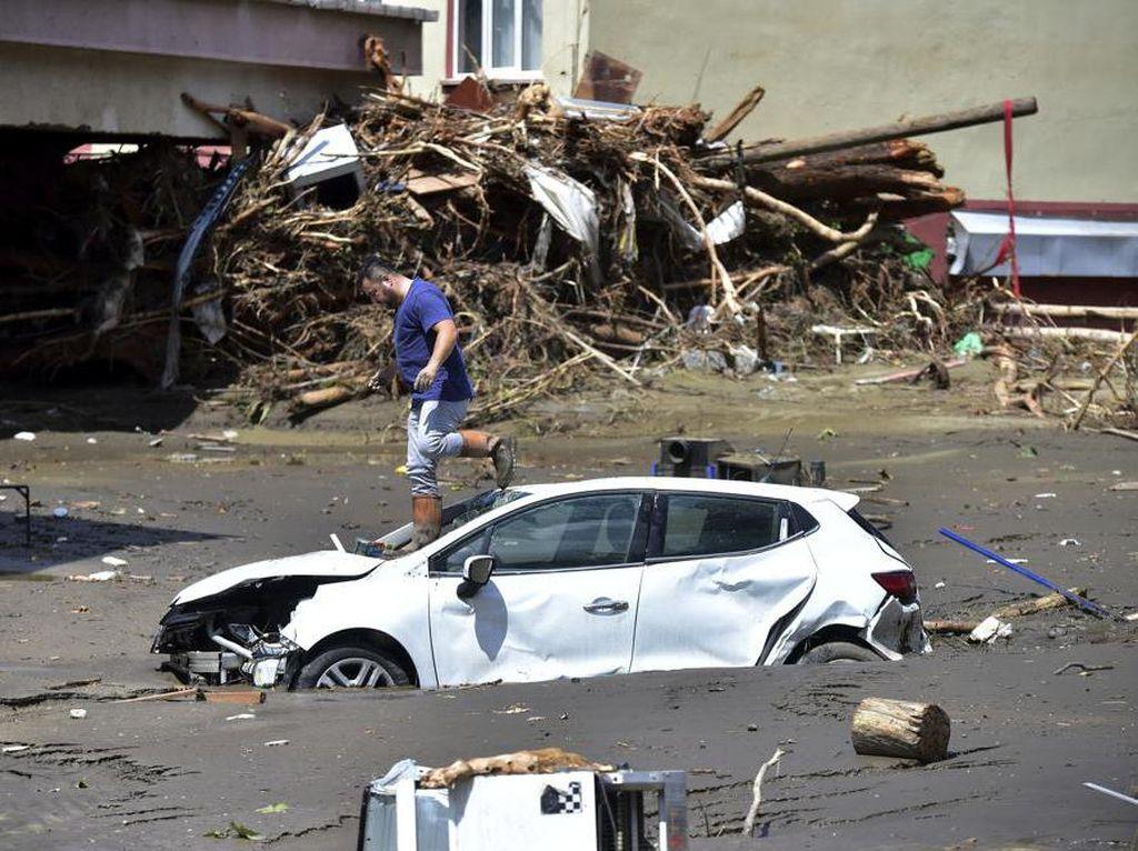 Korban Tewas Banjir Bandang di Turki Bertambah Jadi 40 Orang