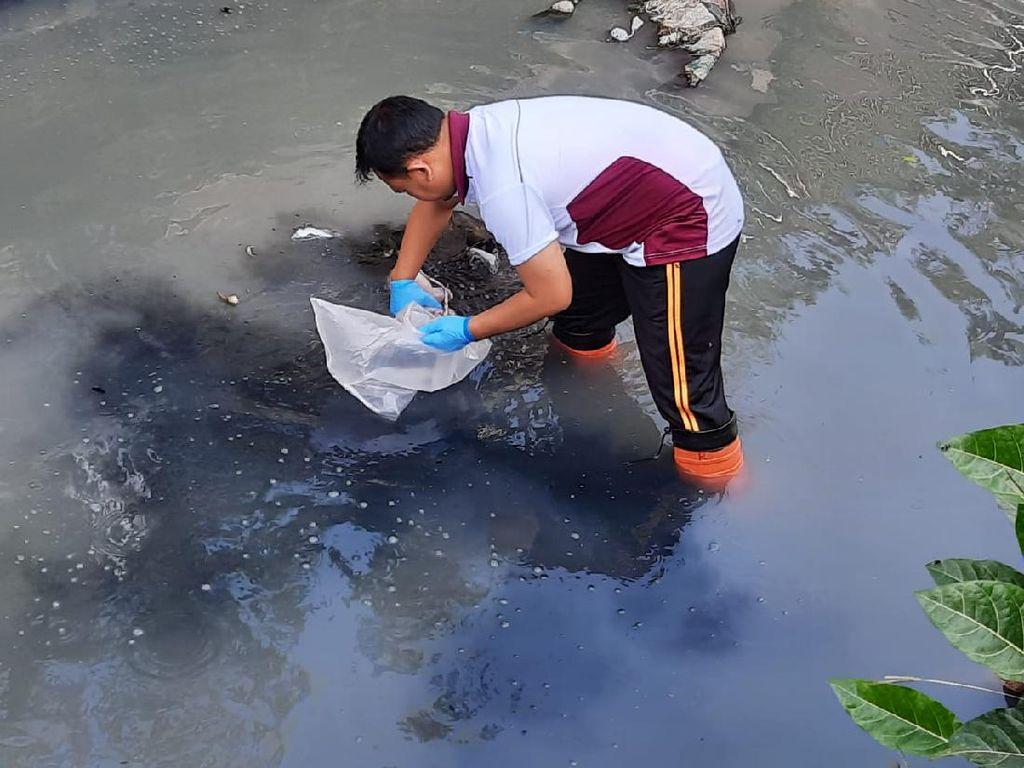 Mayat Bayi Baru Lahir Ditemukan Mengapung di Sungai Kresek Kediri