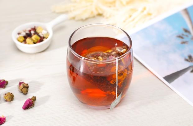 Teh rooibos adalah teh herbal asal Afrika Selatan yang memilki banyak manfaat dan khasiat.