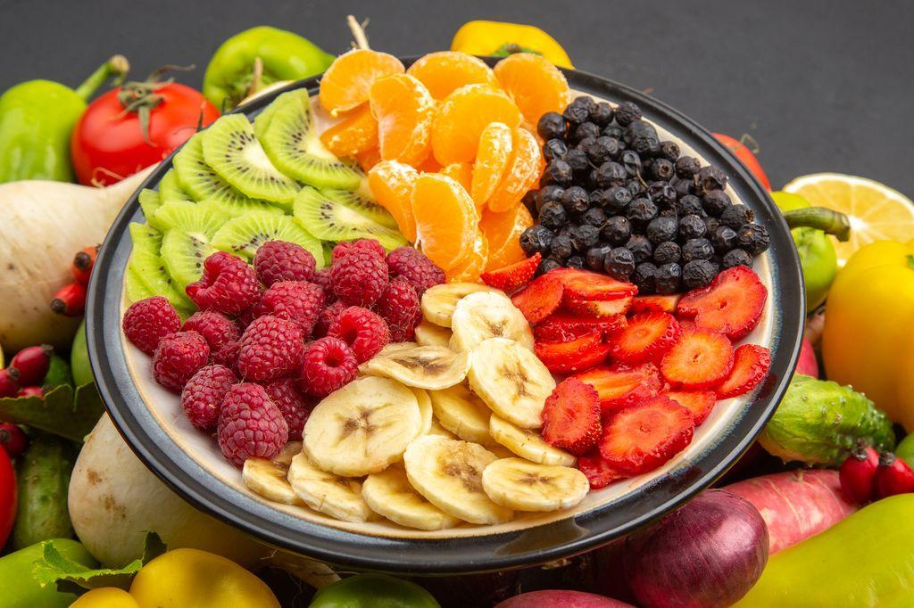 Ăn trái cây và rau củ