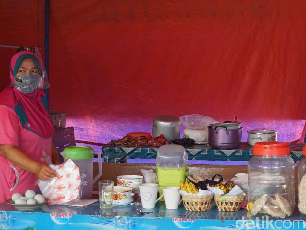 Pusat Jajanan Wisata Religi Demak Sepi, Anak Penjual Nasi Terpaksa Cuti Kuliah
