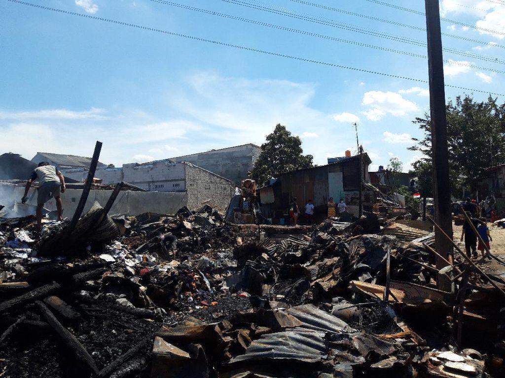 Tragedi Kebakaran Maut di Mampang Kala Puluhan Lapak Dilalap Api