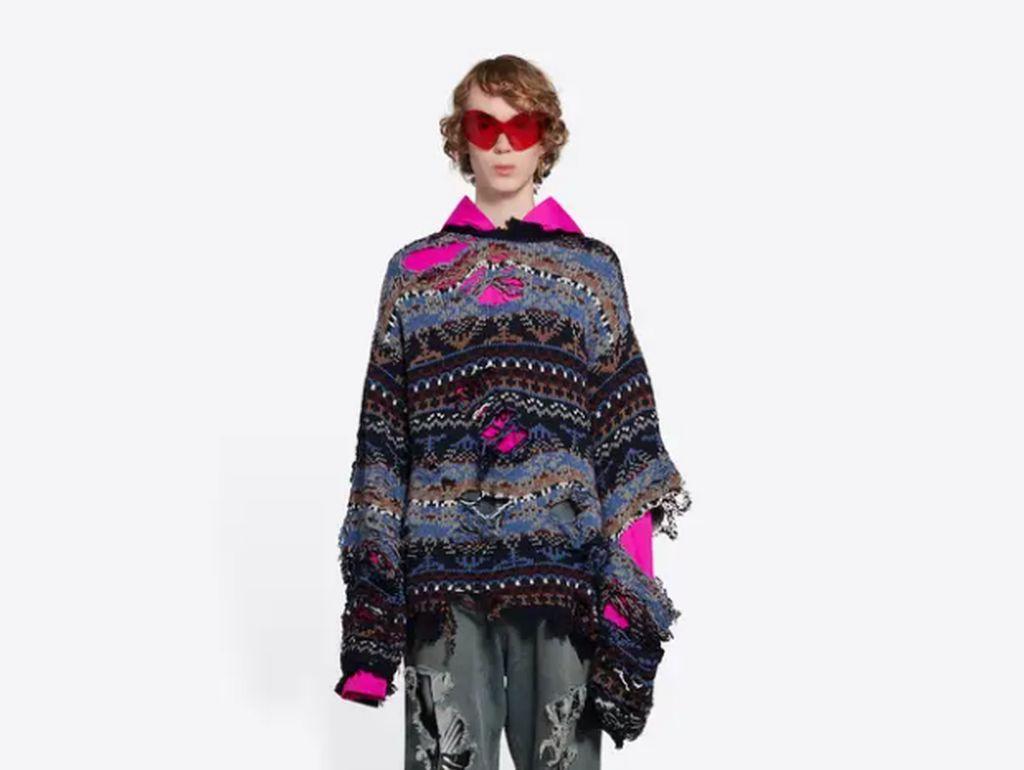 Balenciaga Jual Sweater Rp 22 Juta, Tapi Bikin Pemakainya Terlihat Miskin