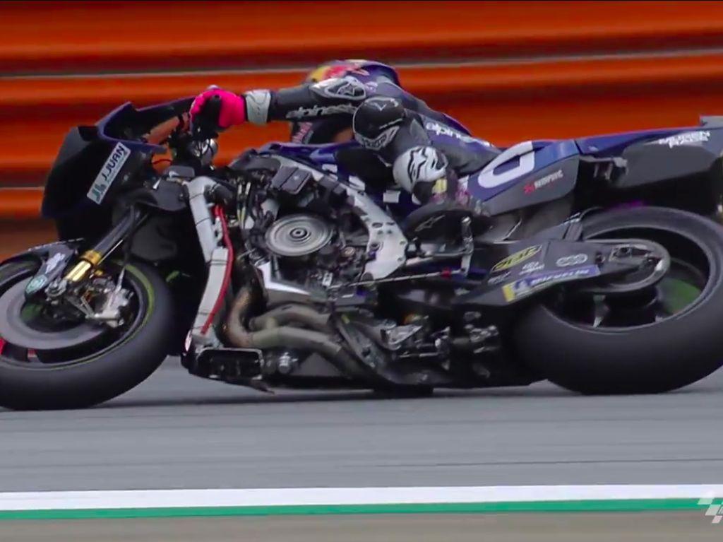Detik-detik Motor Bastianini Telanjang, Jeroan Motor Kelihatan