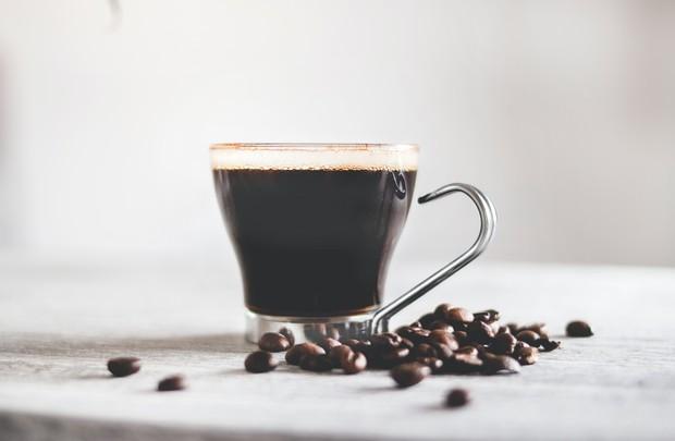 Soda, kopi, dan alkohol/