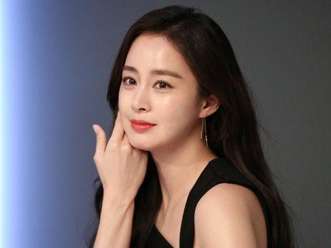 Potret Kim Tae Hee di usia 41 tahun
