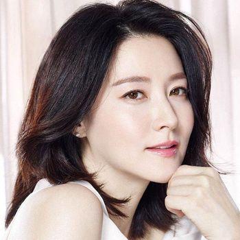 Aktris Lee Young Ae yang tampak awet muda