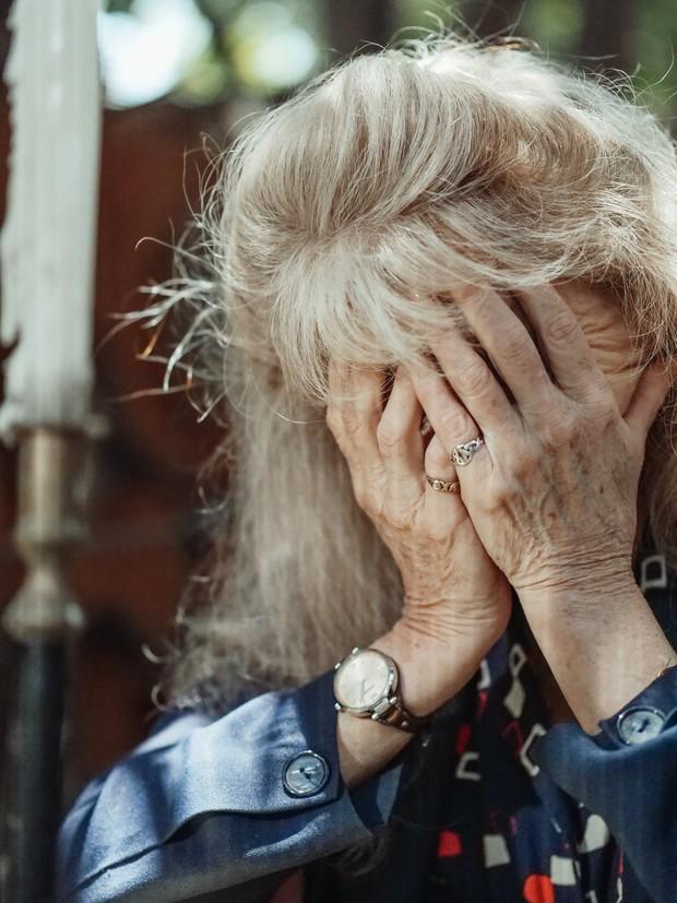 Tidak ada cara pasti untuk mencegah semua jenis demensia atau kepikunan di usia tua, karena para peneliti masih menyelidiki bagaimana kondisi tersebut berkembang. Namun, ada hasil penelitian yang menemukan bahwa gaya hidup sehat dapat membantu mengurangi risiko terkena demensia saat kamu tua.