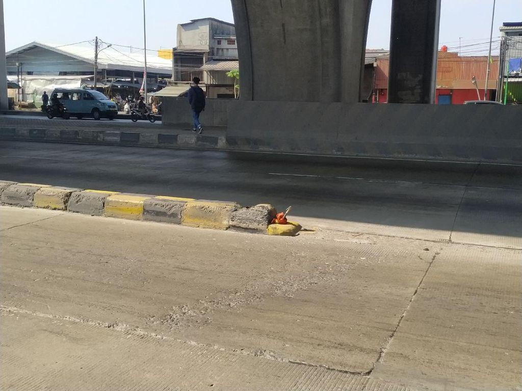 Rambu Pembatas di Jl Cilincing Disebut Hilang Tak Lama Usai Dipasang