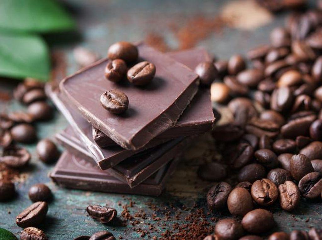 Kopi vs Cokelat, Mana yang Lebih Sehat Dikonsumsi?