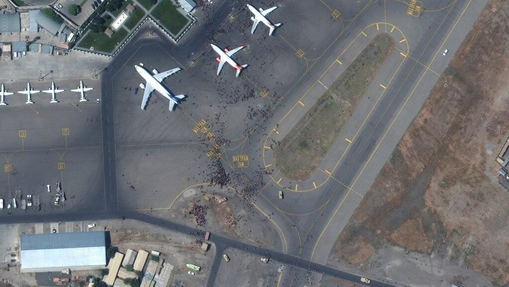Penampakan dari Satelit Saat Bandara Afghanistan Diserbu Warga