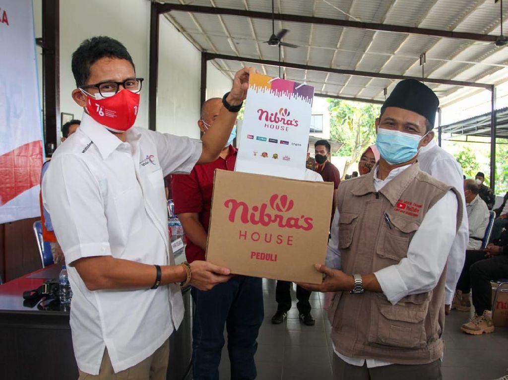 17 Agustusan Ala Sandi Uno: Gandeng Pengusaha Sebar 20.000 Paket Sembako