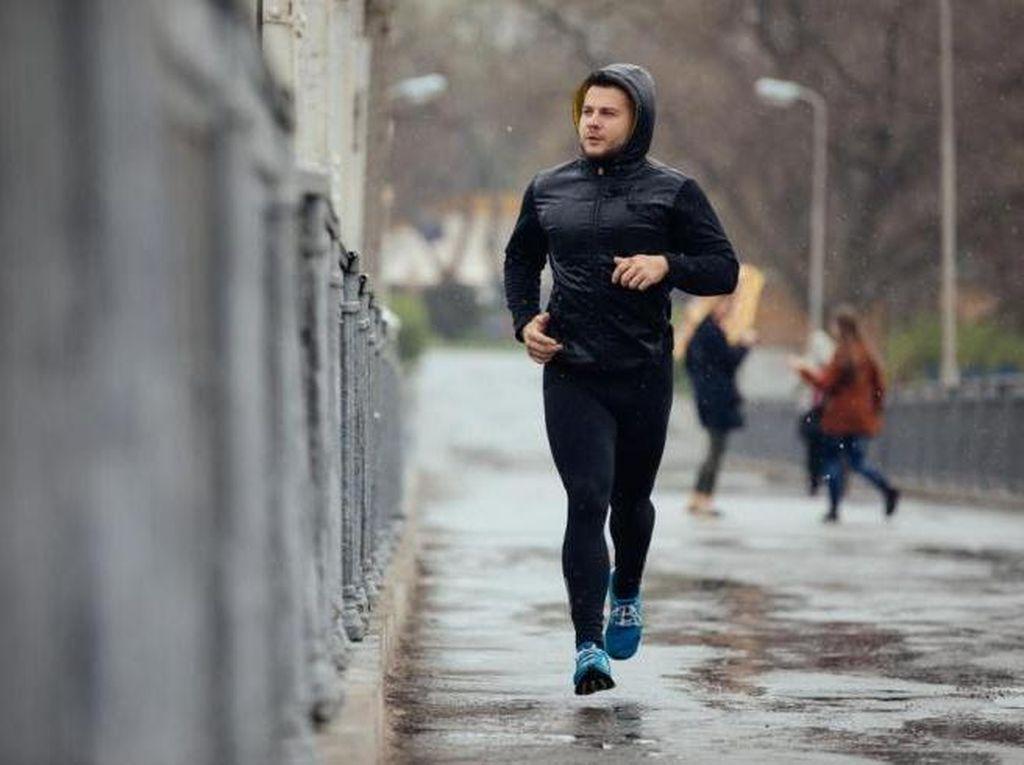Jogging Saat Hujan, Aman Nggak Sih?