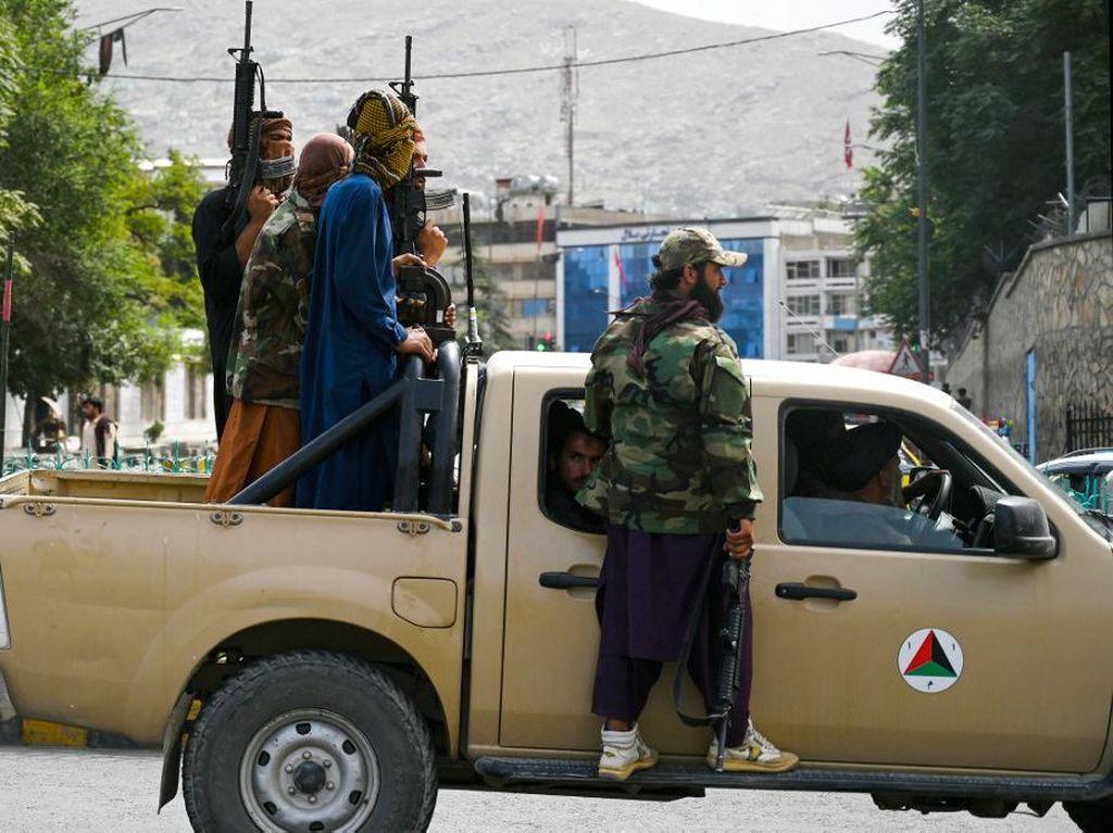 Kenapa Hilux Identik dengan Kelompok Taliban?