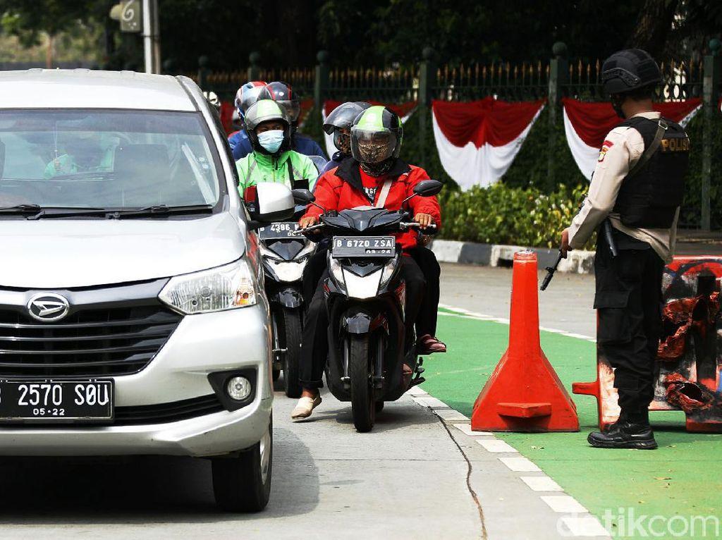 Syarat Berkendara Mobil Pribadi dan Kendaraan Umum saat PPKM Level 3 dan 4 Diperpanjang