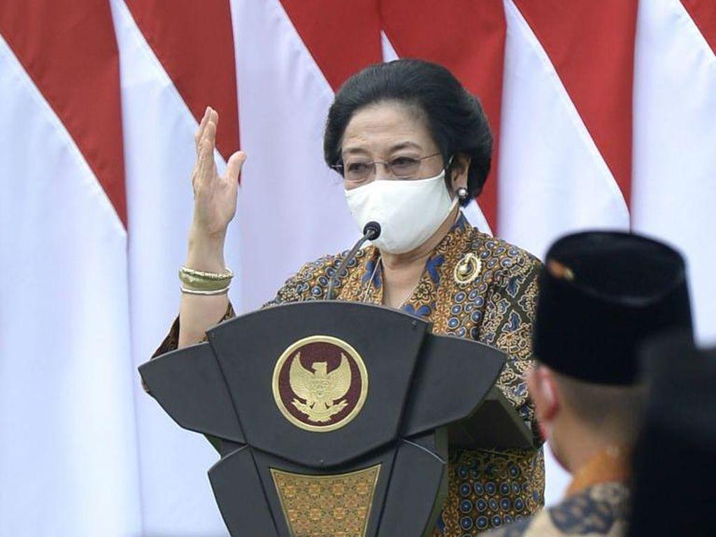 Cerita Megawati ke Purnapaskibraka soal Sejarah Bendera Merah Putih
