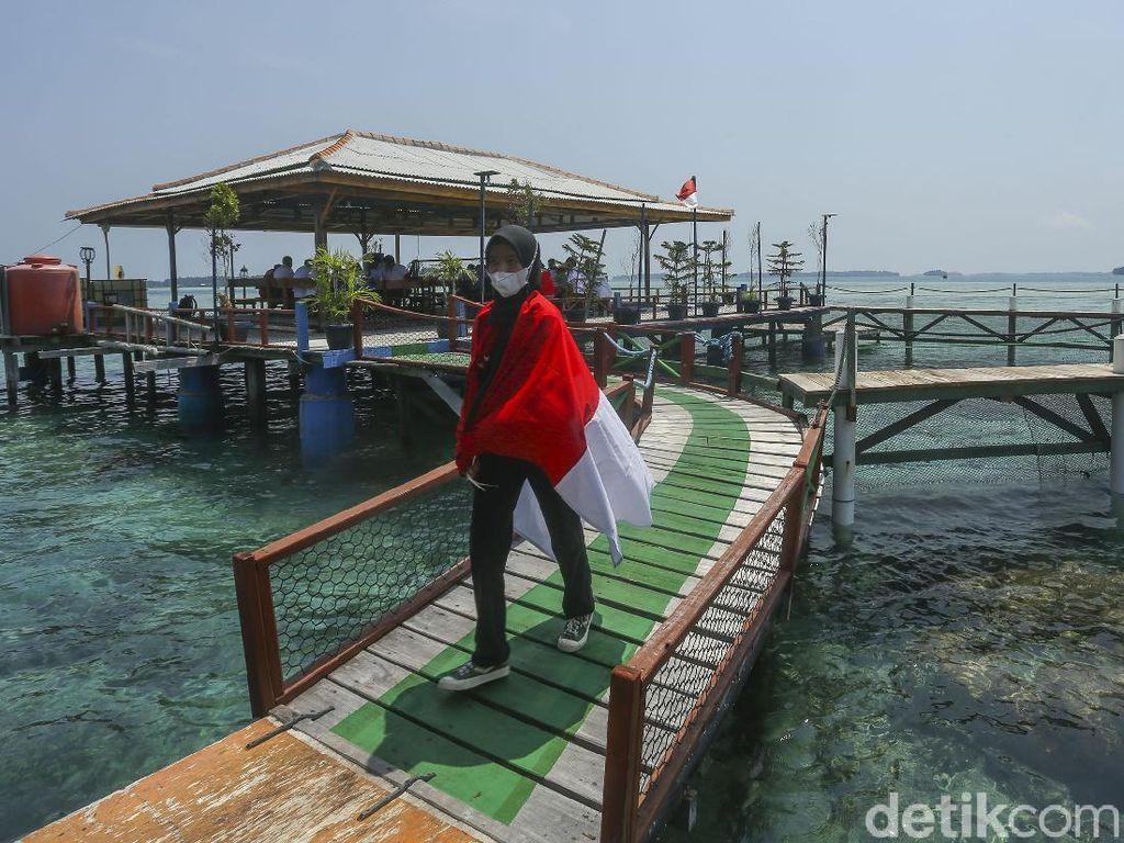 Restoran Terapung Ini Ada di Kepulauan Seribu Lho