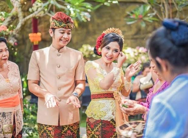 Tradisi pra nikah adat Bali/Foto: pinterest.com