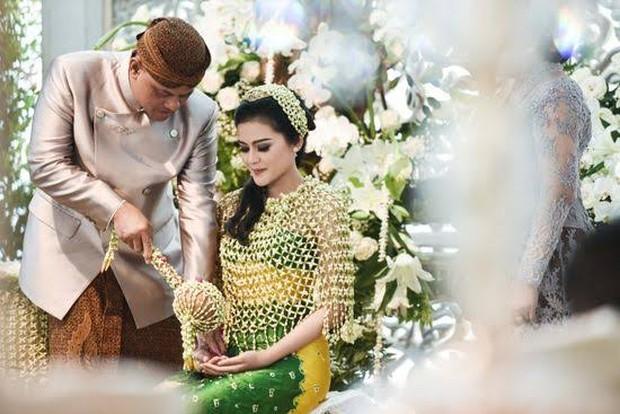 Tradisi pra nikah adat Jawa/Foto: pinterest.com