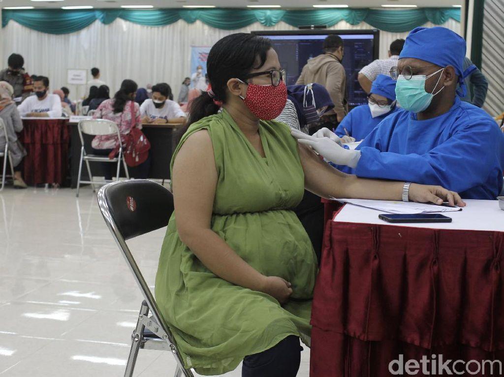Vaksinasi Corona Buat Ibu Hamil Dimulai Hari Ini, 50.000 Bidan Dilibatkan
