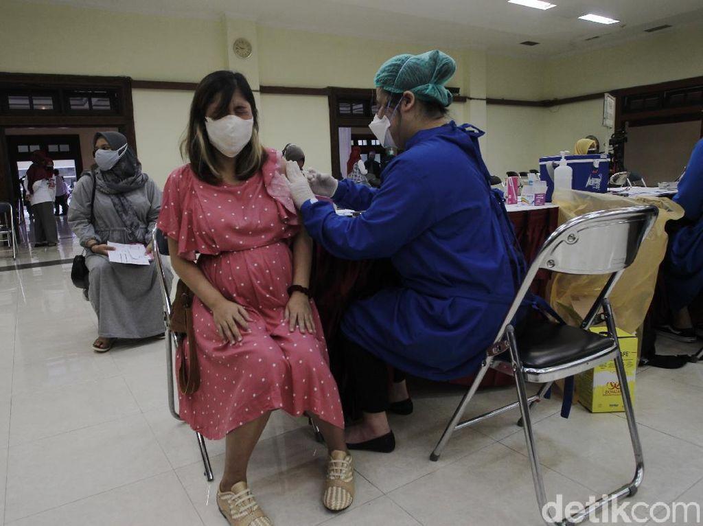Anies: 1.754 Ibu Hamil di Jakarta Sudah Divaksinasi Covid-19