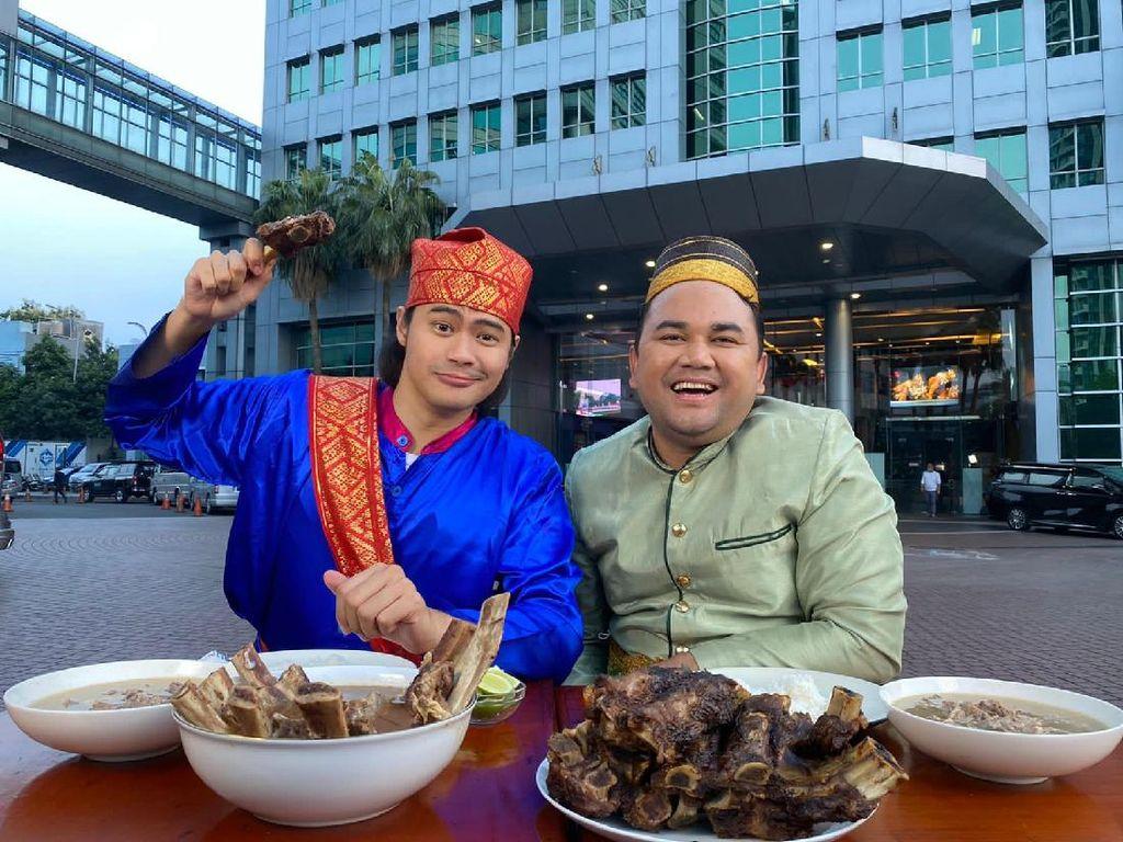 HUT Bikin Laper ke-2, Ncess Nabati hingga Mike Ethan Cicip Makanan Seluruh Indonesia