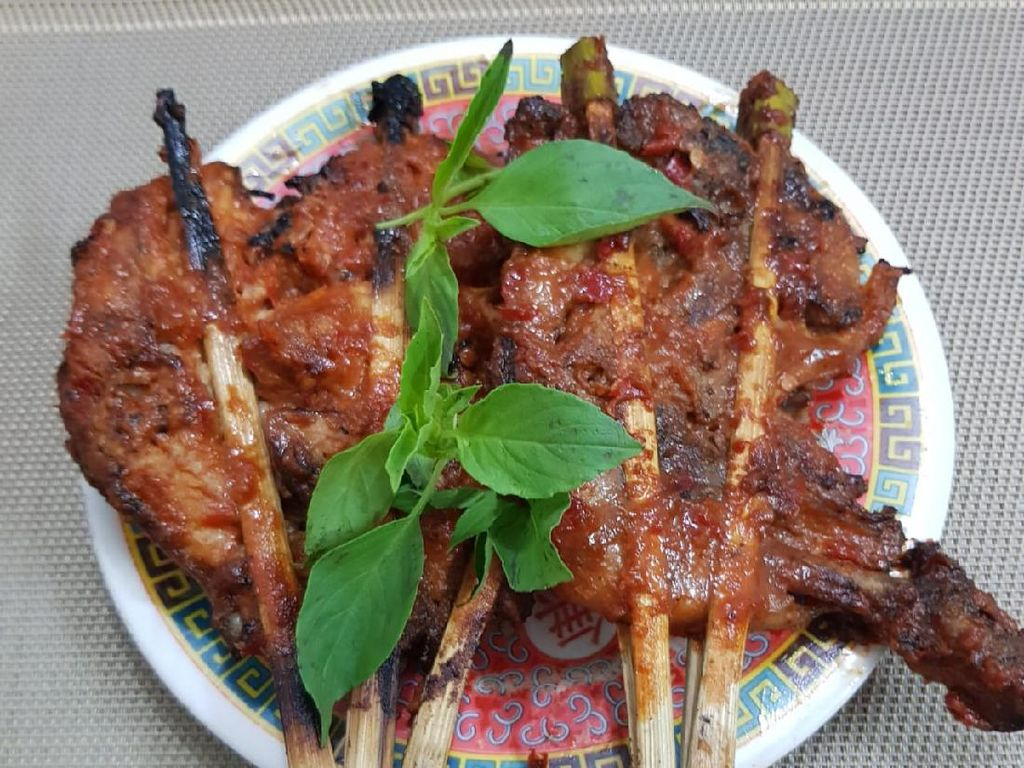 Imbas Pandemi, Pengusaha Tas Kulit Ganti Profesi Jualan Ayam Panggang Lumajang