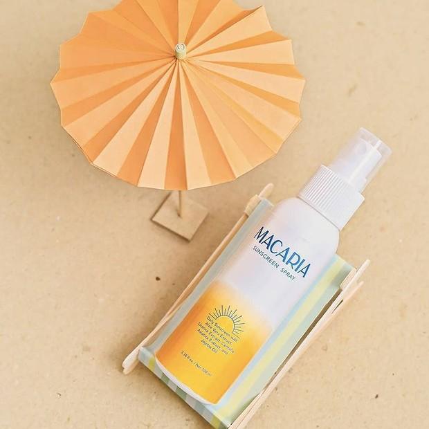 Macaria Sunscreen Spray