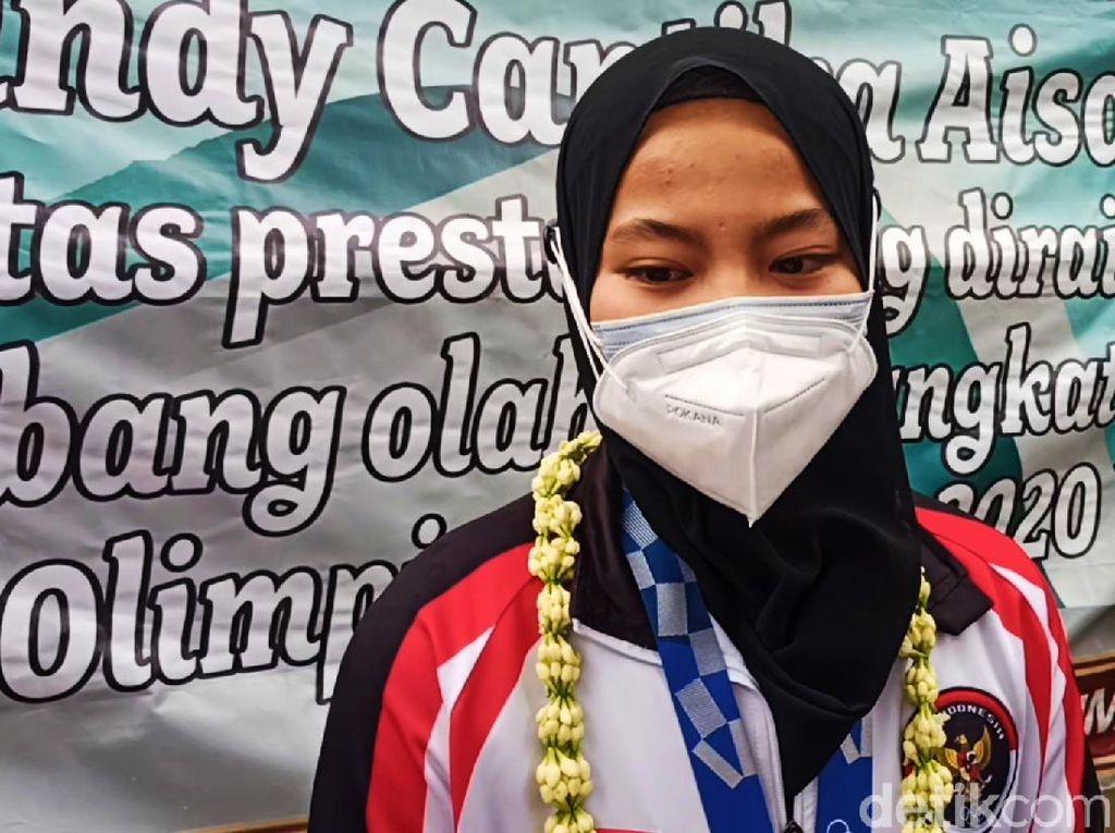 Peraih Medali Olimpiade Windy Cantika Pulang Kampung: Alhamdulillah