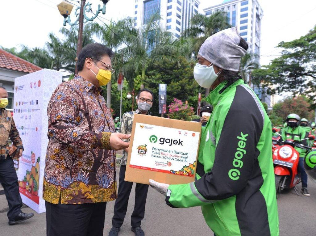 GoSend Kirimkan Paket Buah ke Warga Isoman-Nakes di Jabodetabek