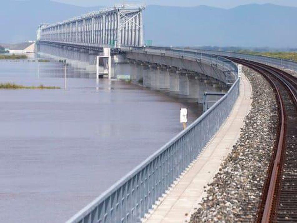 Langkah Awal Proyek Ambisius China, Jembatan Kereta Api Pertama ke Rusia Dibangun