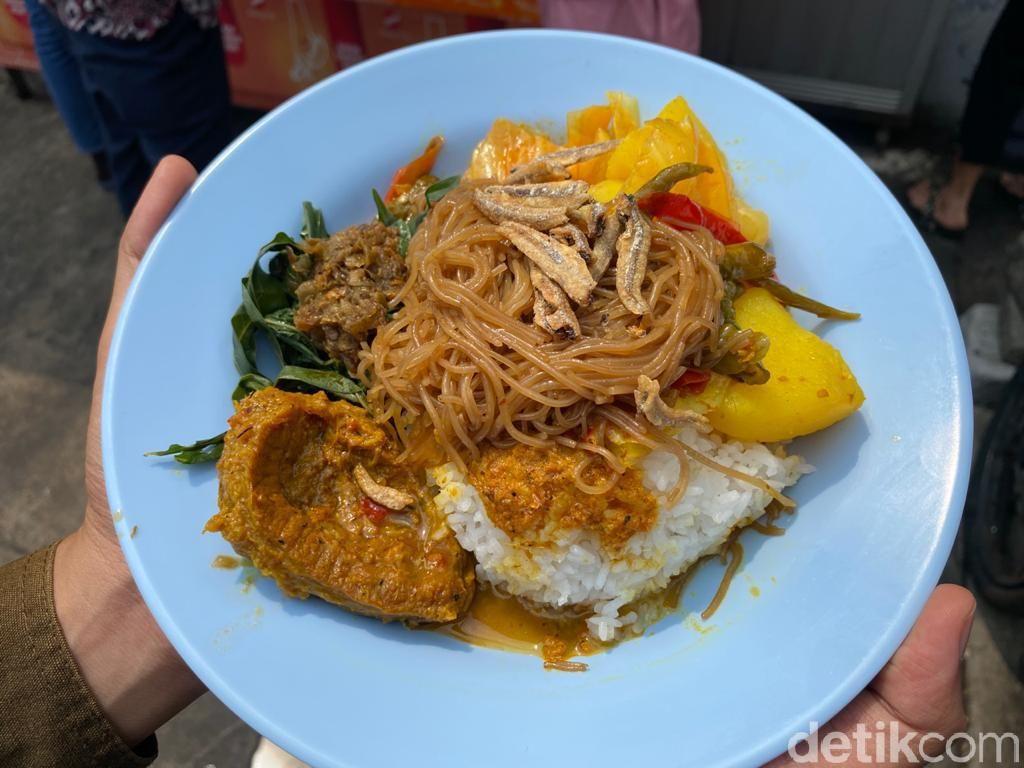 Sarapan Nasi Galung Pedas khas Pematang Siantar yang Halal dan Enak di Jakarta