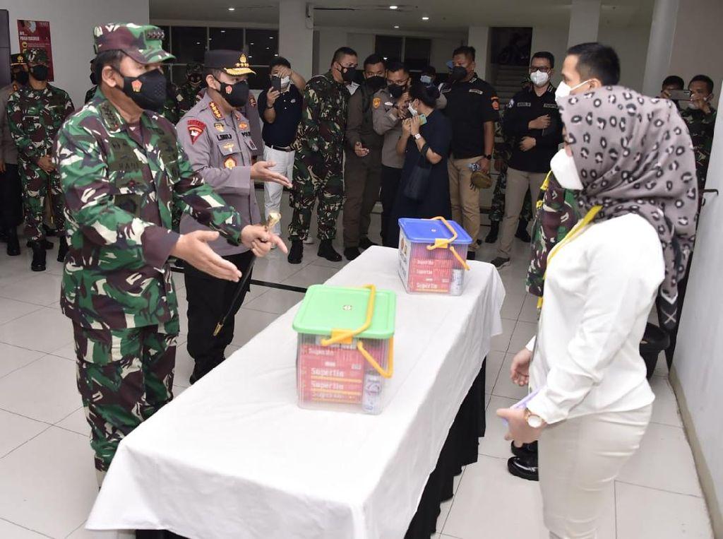 Tangis Haru Relawan Wisma Atlet Direstui Panglima TNI Jadi Kowal