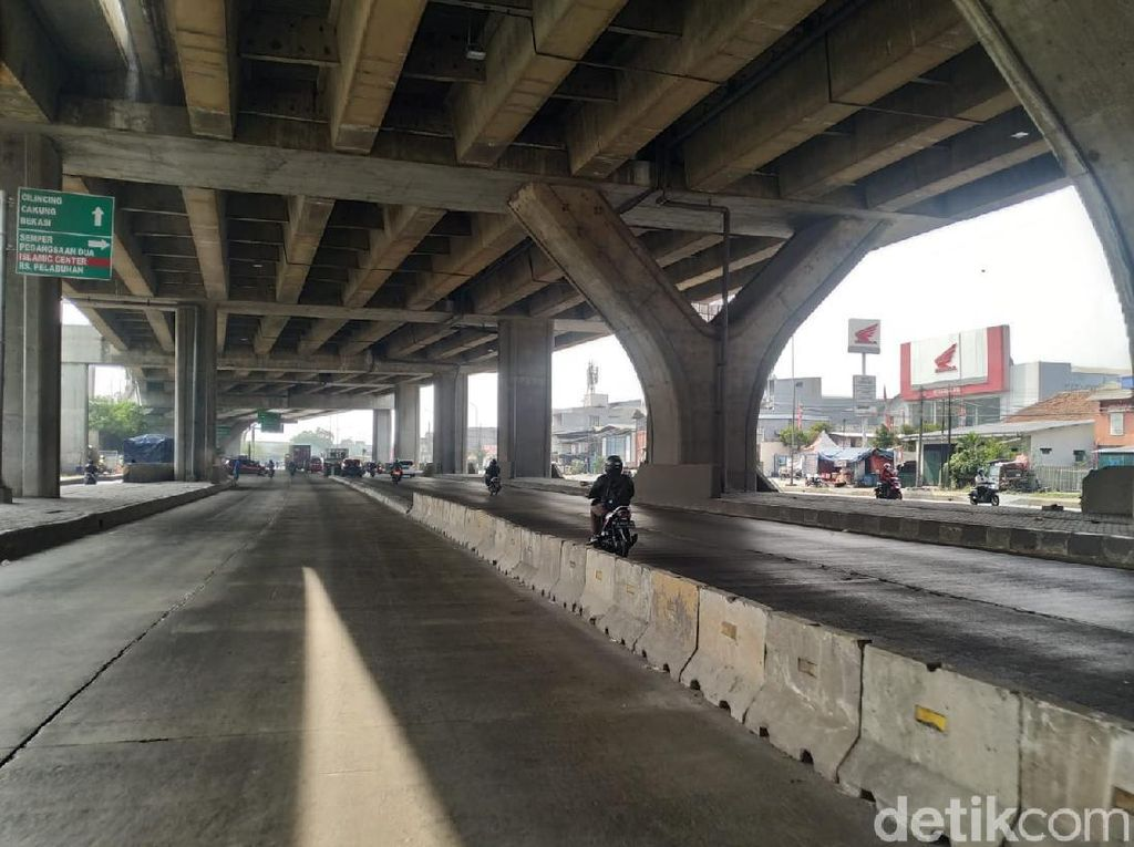 Pembatas Jl Cilincing Rawan Celaka: Rambu Dipasang, Lampu Masih Ditunggu