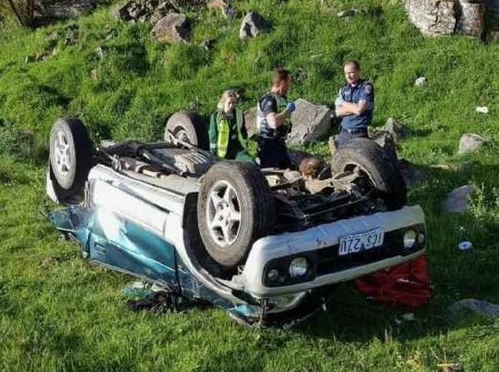 Remaja di Australia Membantu Menyelamatkan Ibunya dari Kecelakaan Mobil