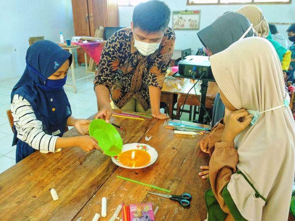 Kisah Aji Nur Wijaksono, Mahasiswa UNY di Kampus Mengajar