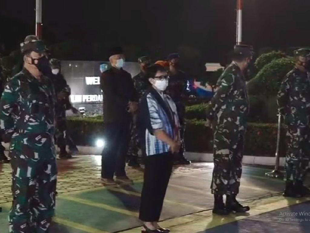 Tiba di Indonesia, WNI dari Afghanistan Disambut Menlu dan Panglima