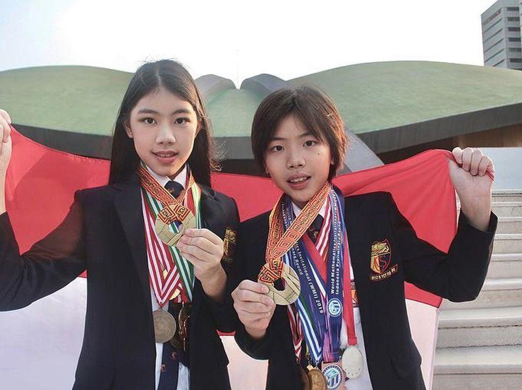 Dua Kakak Beradik Menang 33 Medali Olimpiade Matematika, Begini Kisahnya