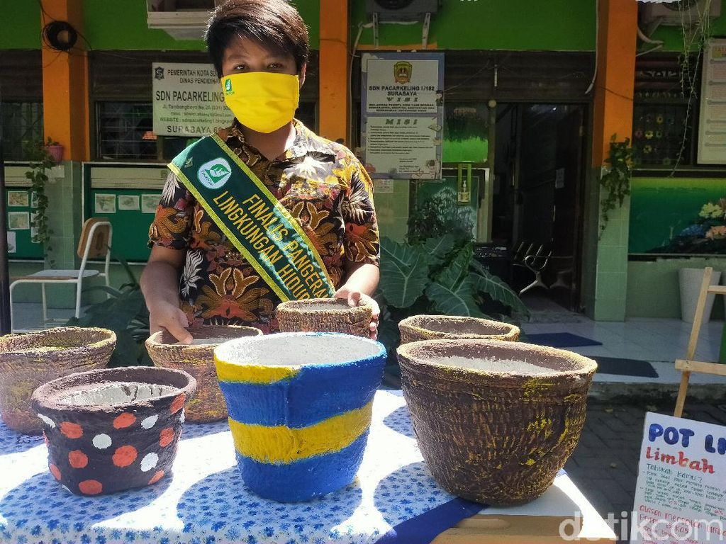Siswa SD di Surabaya Bikin Pot Bunga dari Limbah Popok