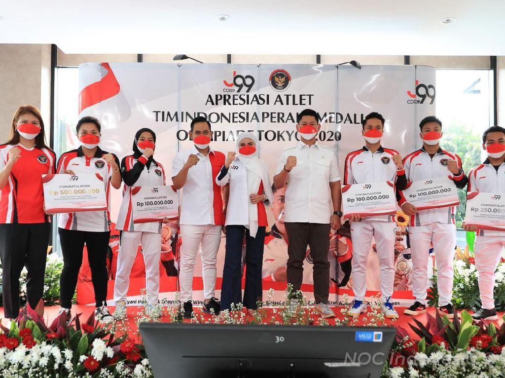 Crazy Rich Malang Penuhi Janji Guyur Bonus Peraih Medali Olimpiade