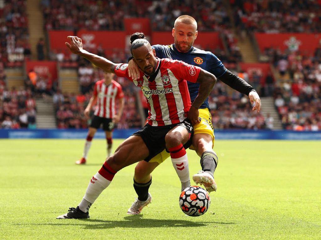 Babak I: Manchester United Tertinggal dari Southampton