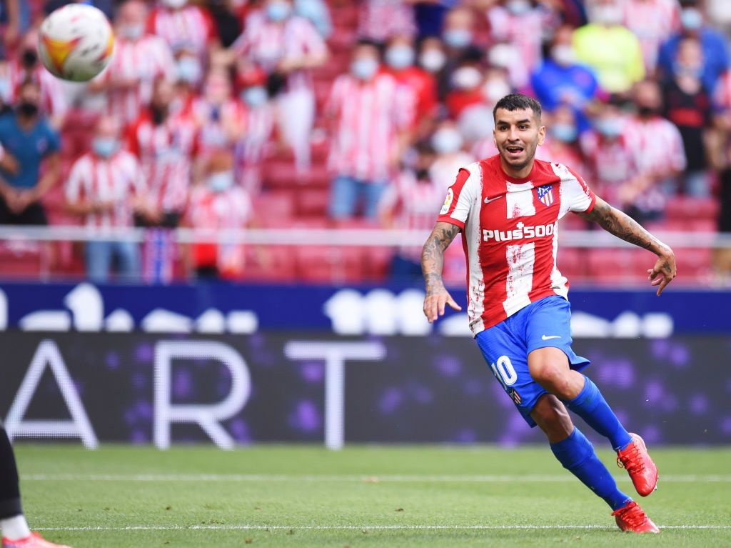 MADRID, SPAIN - AUGUST 22: Angel Correa of Atletico Madrid scores their side's first goal during the LaLiga Santander match between Club Atletico de Madrid and Elche CF at Estadio Wanda Metropolitano on August 22, 2021 in Madrid, Spain . (Photo by Denis Doyle/Getty Images)