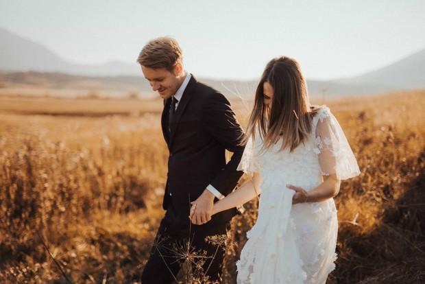 arti mimpi menikah dengan sahabat bisa berarti adanya perasaan yang terpendam