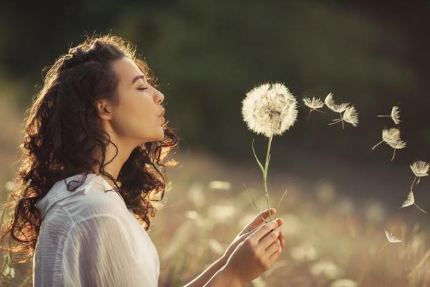 Patah hati juga dapat membuat seseorang lebih menghargai waktu. Sebab, sebelumnya mereka pernah membuang-buang waktu berharga untuk membersamai seseorang yang salah.