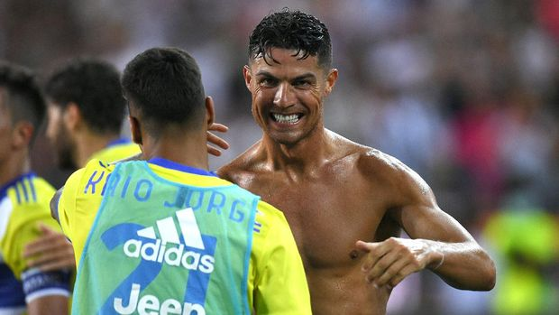 UDINE, ITALY - AUGUST 22: Cristiano Ronaldo of Juventus celebrates after scoring his team's third goal before the referee disallowed it during the Serie A match between Udinese Calcio v Juventus at Dacia Arena on August 22, 2021 in Udine, Italy. (Photo by Alessandro Sabattini/Getty Images)