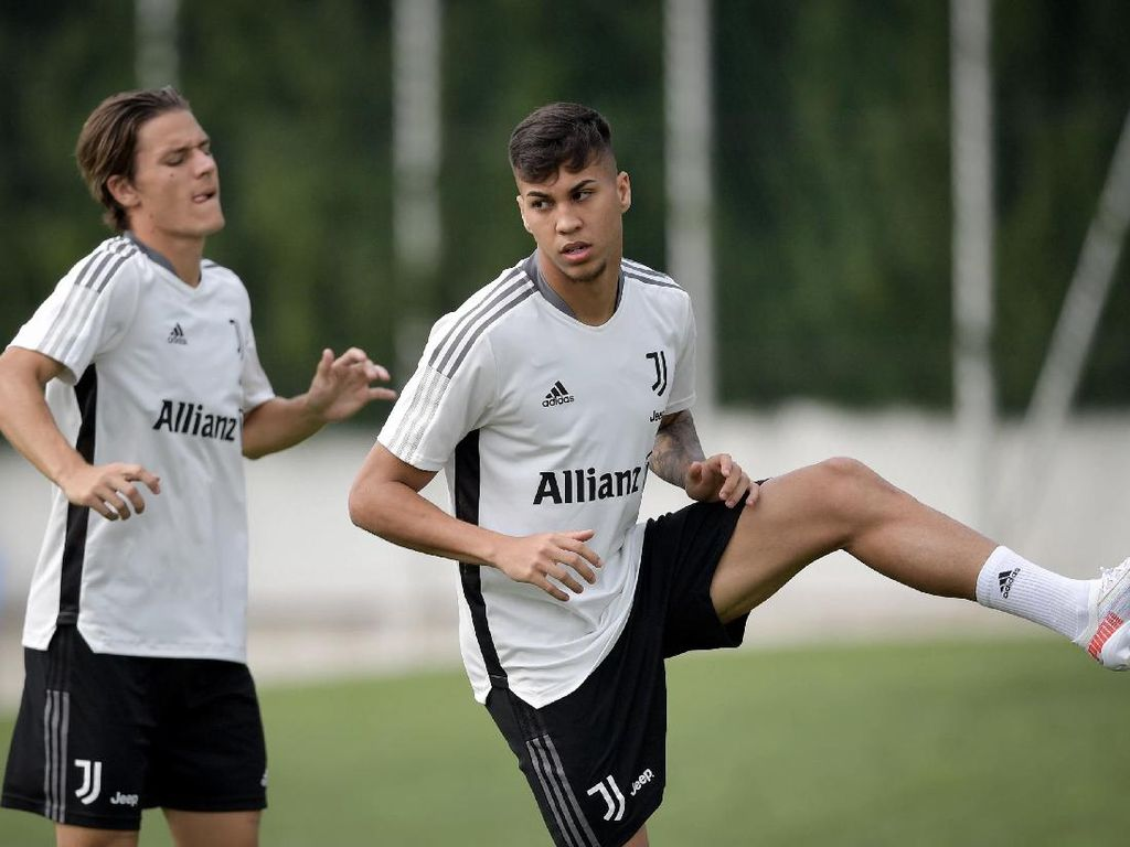 Baru Sepekan Gabung Juventus, Kaio Jorge Langsung Cedera Saat Latihan